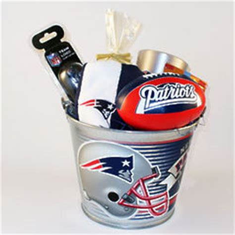 gifts for patriots fans new england patriots premier pail gift set findgift com
