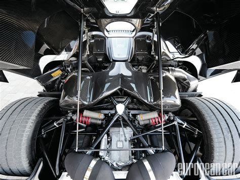 Koenigsegg Agera R Engine Bay Is Symmetrically Pleasing