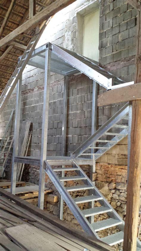 Balkongeländer Mit Treppe by Methale Balkongel 228 Nder Und Treppen