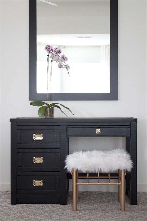Vintage Desk Ideas Best 25 Vintage Desks Ideas On Chalk Paint Desk White Desk Top And White Desk Vintage