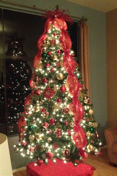 vertical ribbon on christmas tree trees mesh ribbon and mesh on