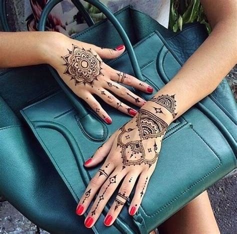 henna tattoos what is it 40 delicate henna designs henna mehndi bags and