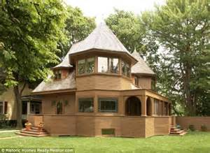 famous houses one of frank lloyd wright s bootleg houses on the market for 1 4million even though it