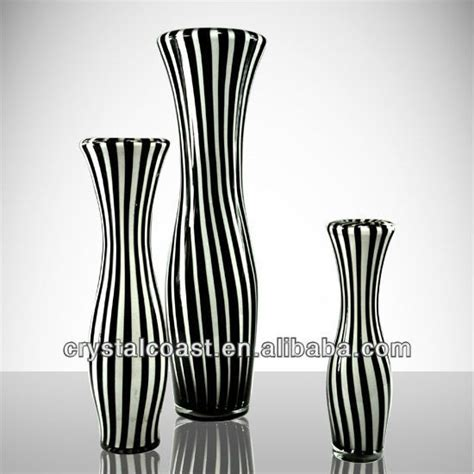 Black Glass Vases Wholesale by Black And White Glass Vases Wholesale For Restaurant