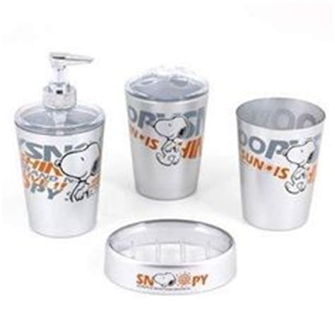 snoopy bathroom 1000 images about snoopy on pinterest bathroom sets