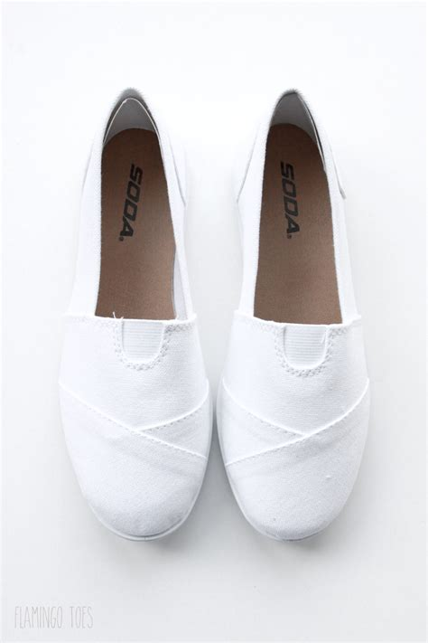 white canvas shoes diy pineapple canvas shoes