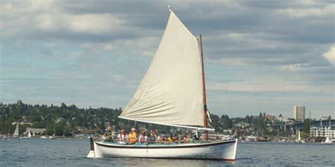 free wooden boats seattle the center for wooden boats offers free voyages on lake