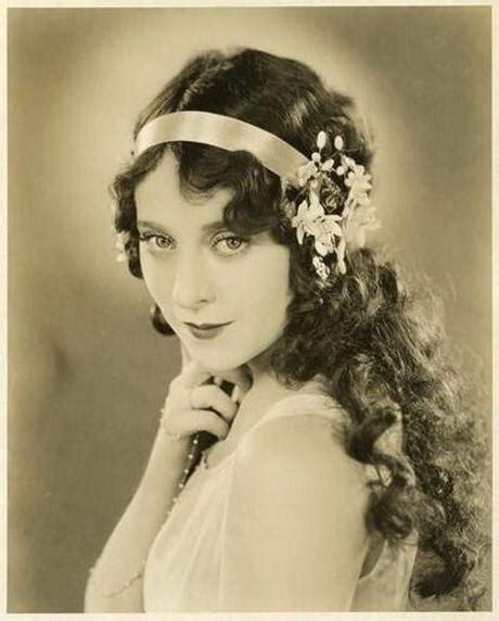 best 25 flapper hairstyles ideas on pinterest 1920s 20 inspirations of twenties long hairstyles