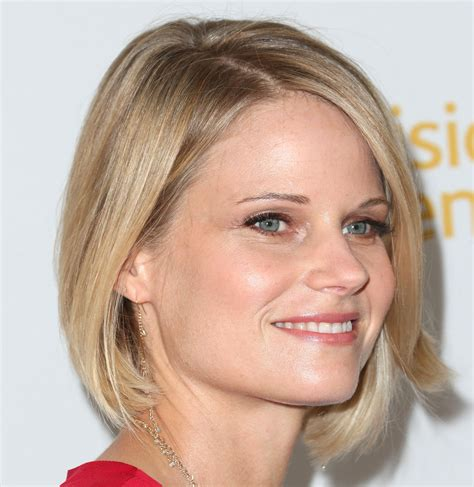 joelle carters bob haircut joelle carter justified short hair joelle carter photos