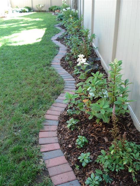 Brick Edging Traditional 4 X 8 Clay Bricks Create An Brick Garden Edging Ideas