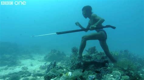 imagenes reales del fondo del mar hombre que camina sobre el fondo del mar para cazar taringa