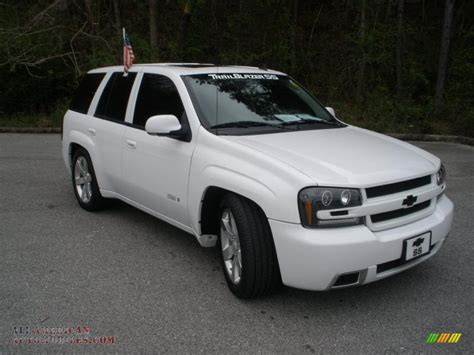 chevrolet trailblazer white 2008 chevrolet trailblazer ss in summit white photo 3