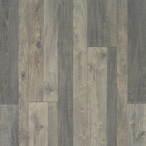 Shop QuickStep Studio Flatiron Oak 7.48 in W x 3.93 ft L