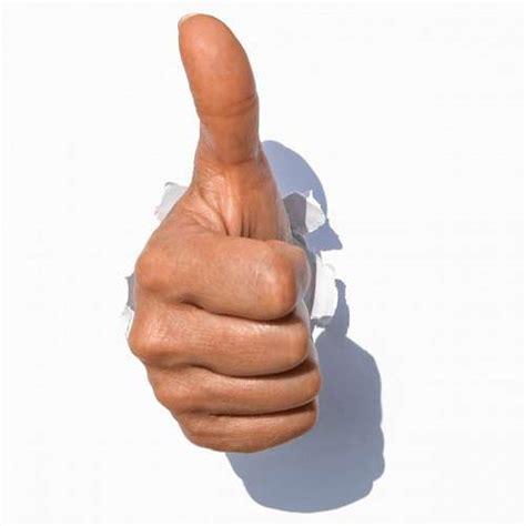imagenes de ok con la mano imagen de pulgar hacia arriba foto gratis