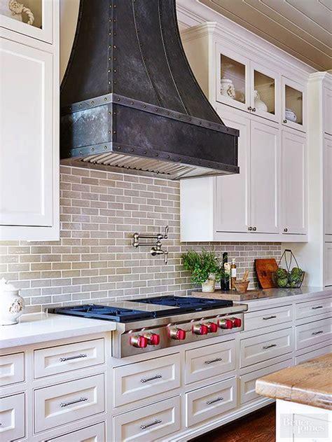 kitchen hood ideas 25 best ideas about kitchen range hoods on pinterest