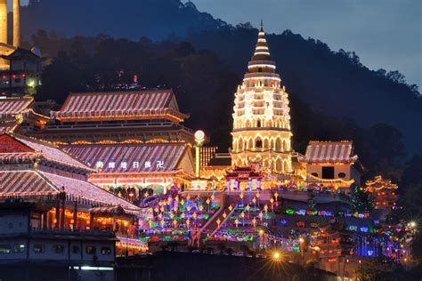 best tourist spots in malaysia 23 top tourist attractions in malaysia with photos map