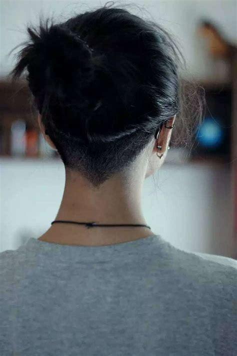 stagled athe the nape of neck hair style undercut女生 undercut发型女 undercut要留多长刘海 女生剪undercut鬓角 男生短发