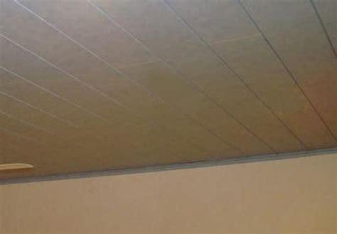 Faux Plafond Pvc by Tout Connaitre Sur Le Plafond Suspendu En Lambris Pvc