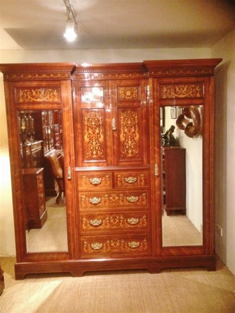 wardrobe and dressing table 203964 sellingantiques co uk