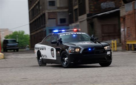 police charger chevrolet 9c3 detective caprice vs dodge charger pursuit