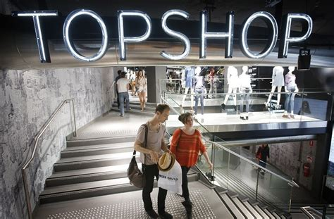 pronoun dressing room topshop abolishes only changing rooms after trans customer was turned away