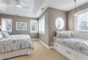 bedroom window seat ideas shingle beachfront home with casual coastal interiors home bunch interior design ideas