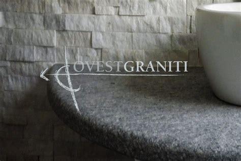 Ambientazione Bagno by Ovest Graniti Piano Fiammato Bagni In Pietra Di Luserna