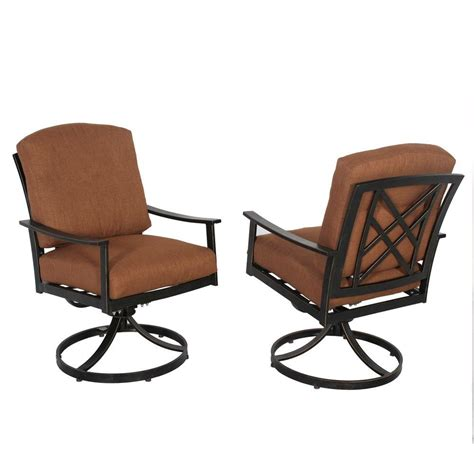 Patio Dining Chairs With Cushions Hton Bay Cedarvale Swivel Patio Dining Chair With Nutmeg Cushion 2 Pack 133 008 Sr2 The
