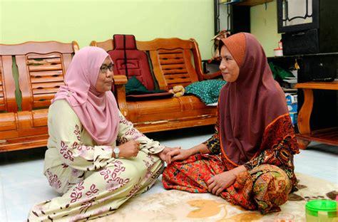 ibu  merindui muhammad adib utusan borneo