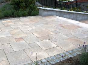 gehwegplatten garten what sizes of paving slab to use in your garden design