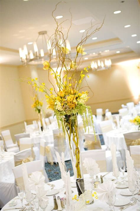 yellow flower arrangements centerpieces best 25 yellow flower centerpieces ideas on