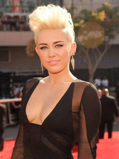 the name of mileys haircut miley cyrus short spiked punk the best miley cyrus pixie hair cuts hair world magazine