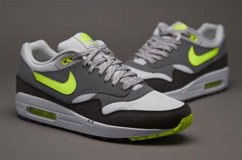 Sepatu Sneakers Rd73 Black Grey sepatu sneakers nike air max 1 essential grey volt black