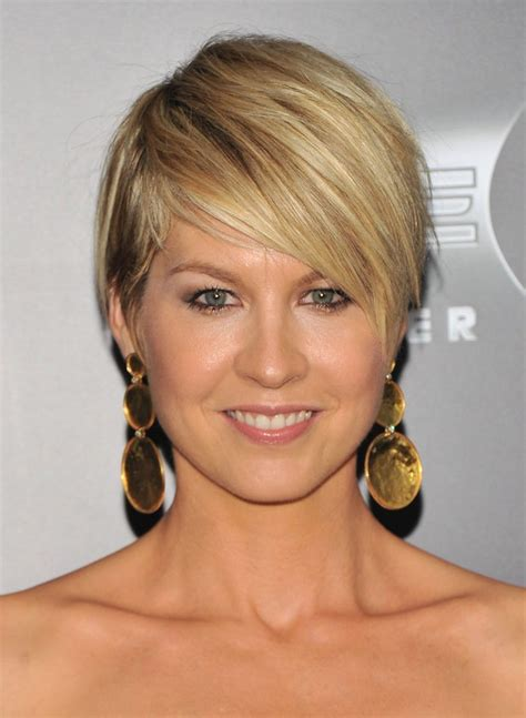 short razor cut hairstyles for 2015 jenna elfman cute short haircut getty images jenna elfman