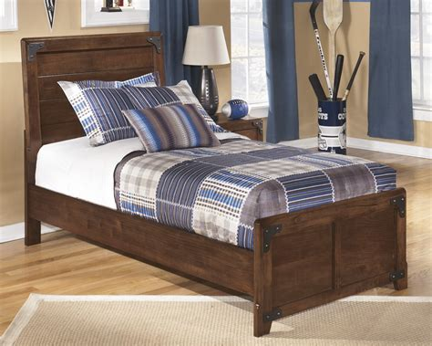 Bed Footboard by Delburne Bed B362 63 83 Beds Furniture World