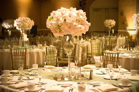 Wedding Decorations by Flower Style Basic Wedding Decor Trendy Mods