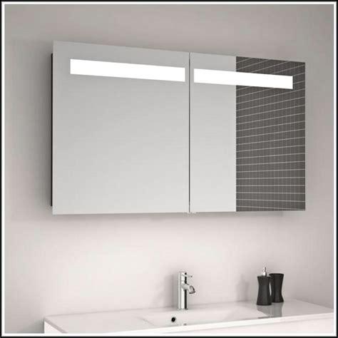 Badspiegel Mit Beleuchtung Und Steckdose Beleuchthung