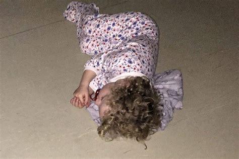 dormire sul pavimento costretta a dormire sul pavimento in attesa medico