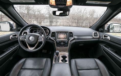 jeep grand cherokee interior comparison jeep grand cherokee overland 2018 vs