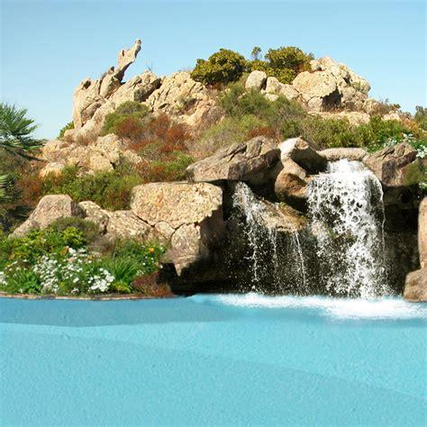 Piscina Acqua Salata by Piscine Con Rocce Naturali Grotte E Cascate Di Acqua