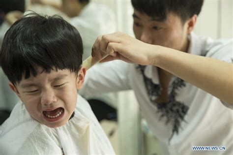 chinese children haircut chinese kids get lucky haircuts china org cn