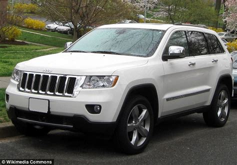 jeep driving away thief steals jeep then calls owner asking how to start it