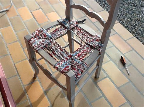 Comment Rempailler Une Chaise by K Roll Rempaillage De Chaise Avec Du Tissu