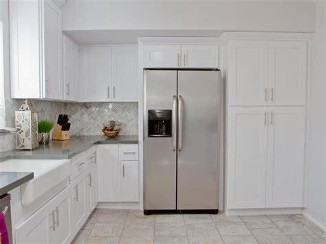 Kitchen Grey And White Marble Herringbone Backsplash
