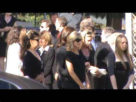 alana stewart and marla maples at farrah fawcetts funeral