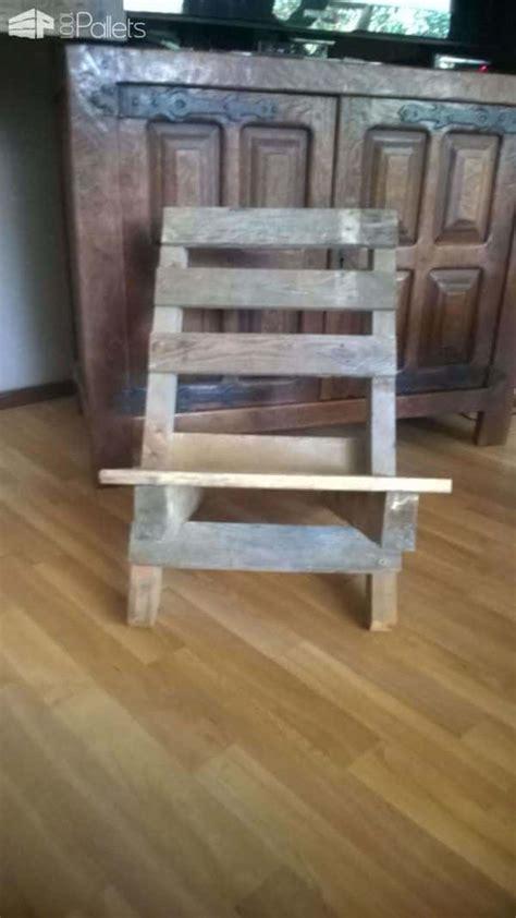 chaise palette chaise emboitable en palette stackable pallet chair