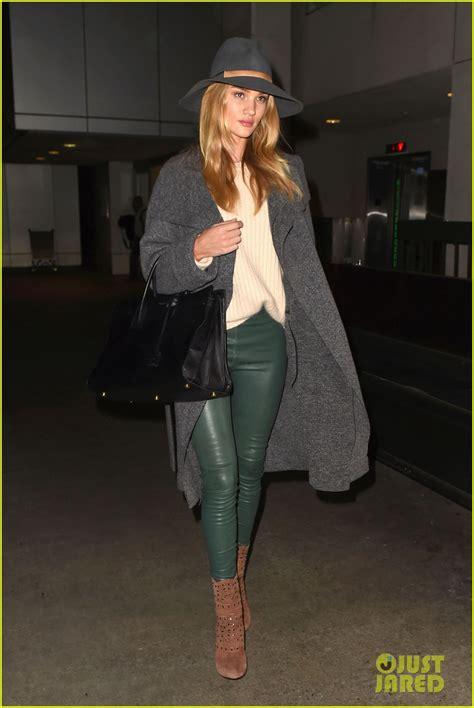 rosie huntington whiteley leather pants rosie huntington whiteley knows how to rock green leather