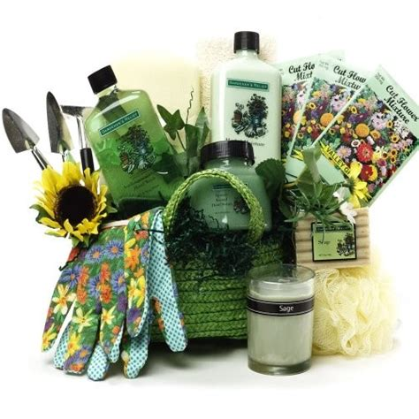 Gift Basket Ideas For Gardeners with Gifts For Gardeners
