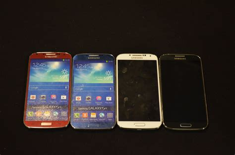 galaxy s4 colors samsung galaxy s4 new colors and blue