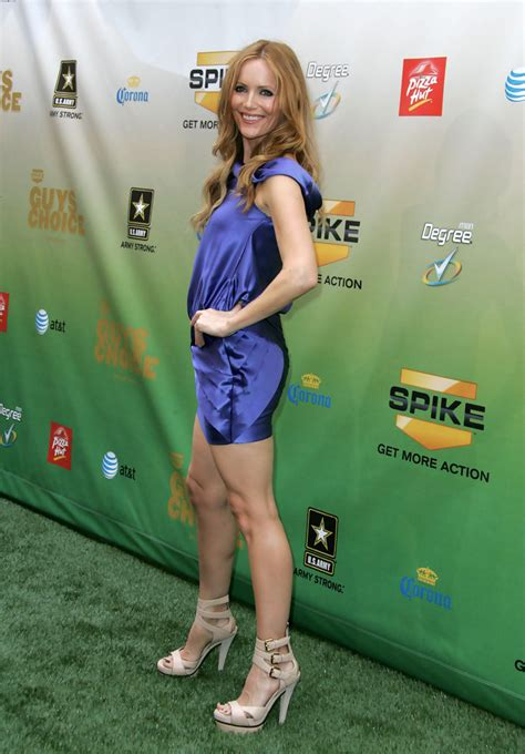 leslie mann rose byrne leslie mann photos photos spike tv s 2009 quot guys choice